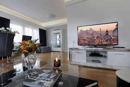 The Queen Luxury Apartments - Villa Carlotta, Luxembourg