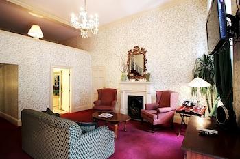 Jr Suite 2 Queens Balcony