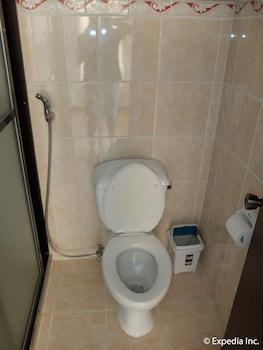 Turtle Inn Resort Boracay Bathroom