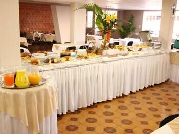伊瓜庫廣場飯店