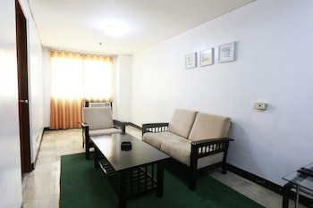 The Victor Hotel Makati Living Area