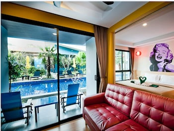 Room, 1 Bedroom, Pool Access (Double Bed or Twin Bed)