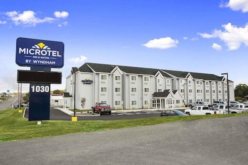 . Microtel Inn & Suites by Wyndham Carrollton