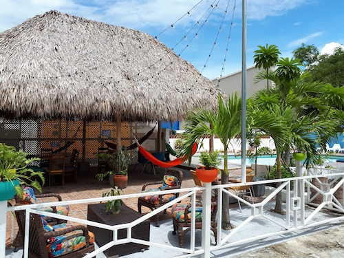 . Hotel Coronado Inn