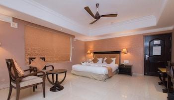 Superior Double Room, Bathtub