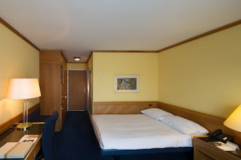 Hotel - Stay at Zurich Airport