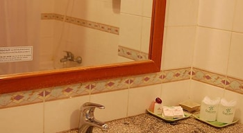 Royal Lanna Hotel - Bathroom  - #0