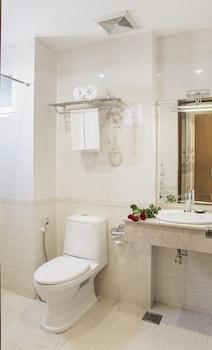 New Pearl Hotel - Bathroom  - #0