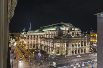 De Luxe Suite Staatsoper by Welcome2Vienna