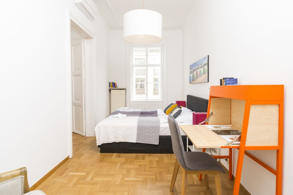 De Luxe Suite Staatsoper by Welcome2Vienna
