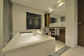 THE ROYAL PARK HOTEL TOKYO HANEDA Bathroom
