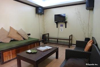 Dos Palmas Island Resort & Spa Palawan Karaoke Room