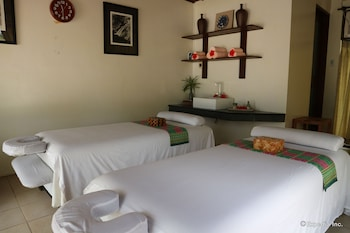 Dos Palmas Island Resort & Spa Palawan Treatment Room