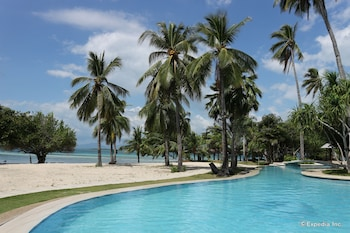 Dos Palmas Island Resort & Spa Palawan Outdoor Pool