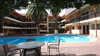 布吉姆比利亞飯店