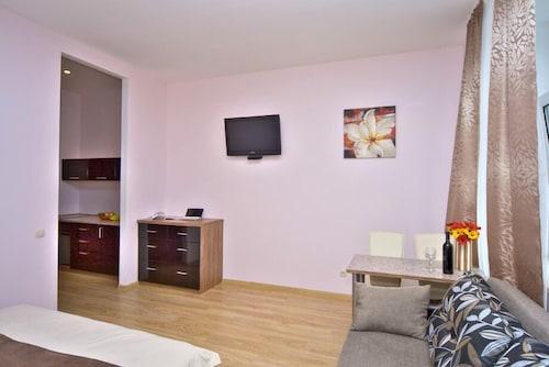 Sunday Apart Hotel, Shevchenkivs'kyi