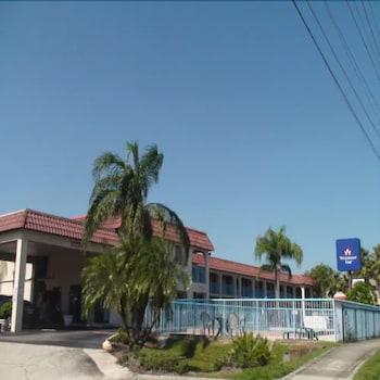 萊克蘭韋斯特蒙特汽車旅館 Westmont Inn - Lakeland