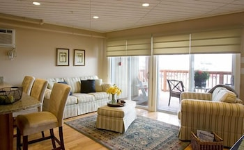 The Sandpiper Suite