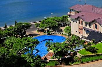 Hotel - Beachfront Hotel