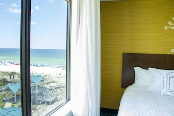 Room, 2 Queen Beds (Limited/Partial Beach View)