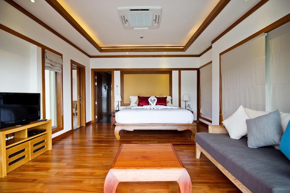 https://i.travelapi.com/hotels/9000000/8100000/8097000/8096989/194758e4_z.jpg