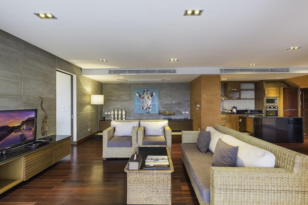 https://i.travelapi.com/hotels/9000000/8100000/8097000/8096989/b2f39abd_z.jpg