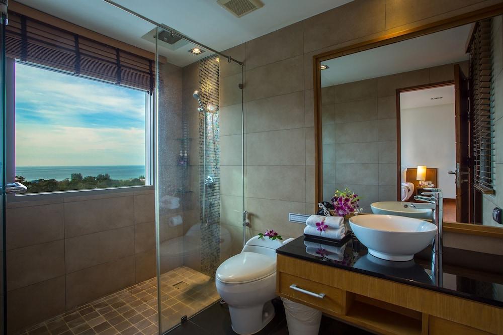 https://i.travelapi.com/hotels/9000000/8100000/8097000/8096989/b4d13cad_z.jpg