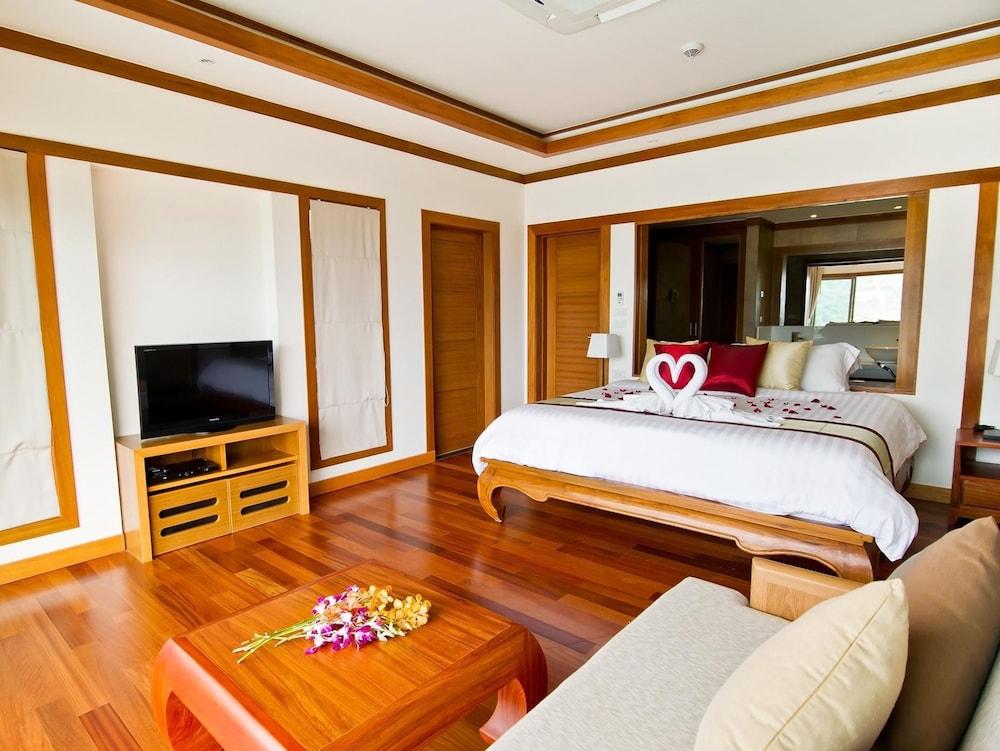 https://i.travelapi.com/hotels/9000000/8100000/8097000/8096989/d989c97a_z.jpg