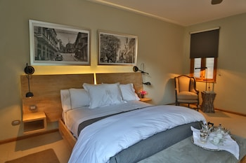 Deluxe Suite, 1 King Bed (Cathedral View)