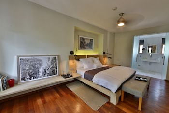 Suite, 1 King Bed (Owner's)
