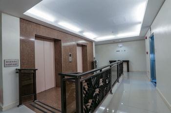 Paragon Tower Hotel Manila Hallway