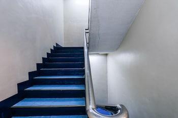 Paragon Tower Hotel Manila Staircase