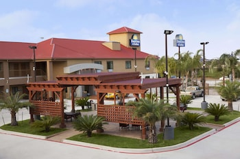 Hotel - Days Inn & Suites by Wyndham Houston North-Spring