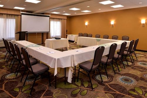 . Holiday Inn Express & Suites Pocatello, an IHG Hotel