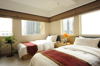 Premier Twin Room - City View
