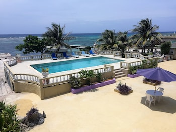 Hotel - Cariblue Beach Hotel and Scuba Diving Resort