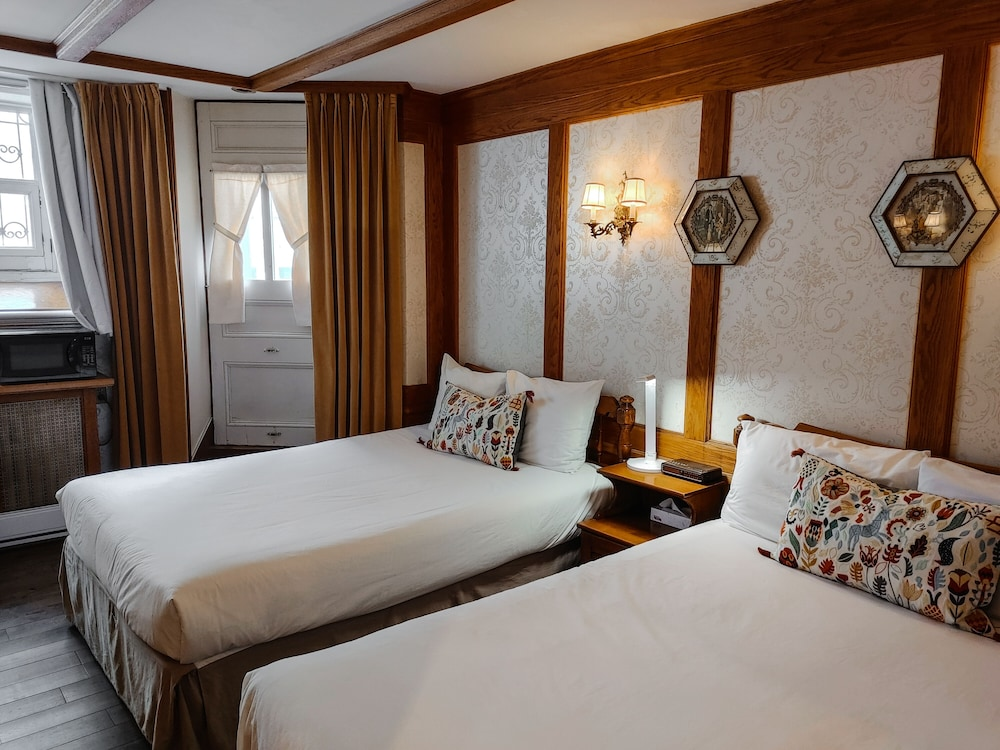 https://i.travelapi.com/hotels/9000000/8130000/8121100/8121093/e19b9977_z.jpg