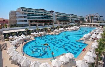 Crystal Waterworld Resort And Spa