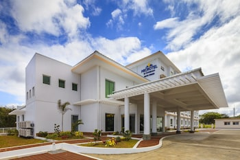 MICROTEL INN & SUITES BY WYNDHAM SOUTH FORBES NEAR NUVALI Other Areas in Cavite Cavite