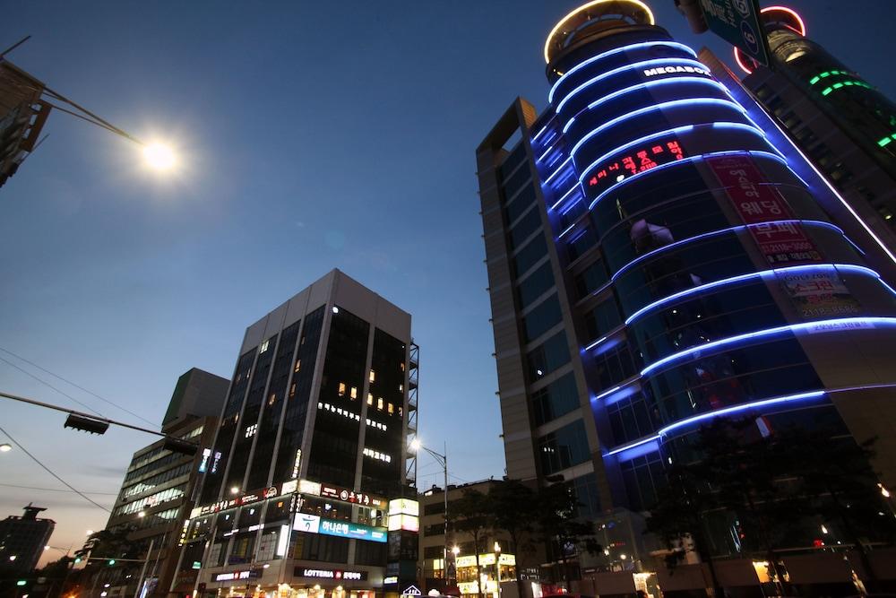 KSTAR メトロ ホテル