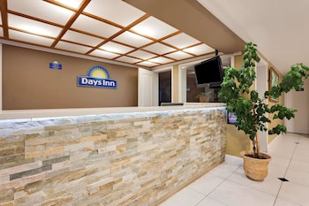 Hotel - Days Inn by Wyndham Lakewood South Tacoma