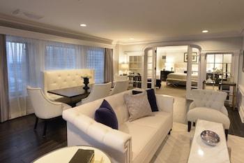 Presidential Suite, 1 King Bed, Corner