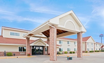 Hotel - AmericInn by Wyndham Northfield