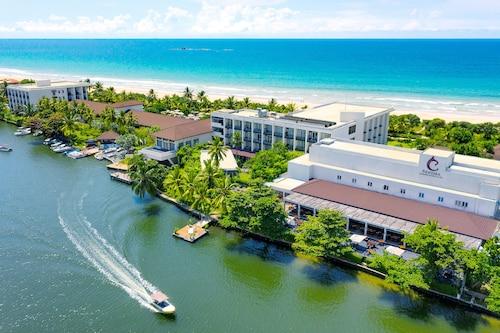 . Centara Ceysands Resort & Spa Sri Lanka