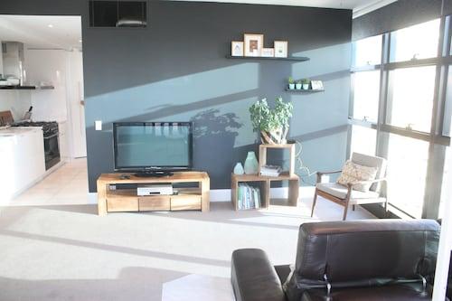 apartments melbourne domain cbd paris end formerly. Black Bedroom Furniture Sets. Home Design Ideas