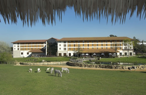 . Chessington Safari Hotel