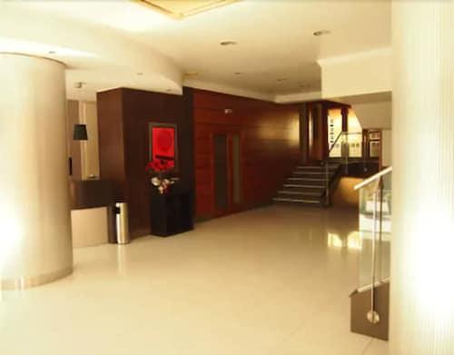 . Hotel Gran Regente