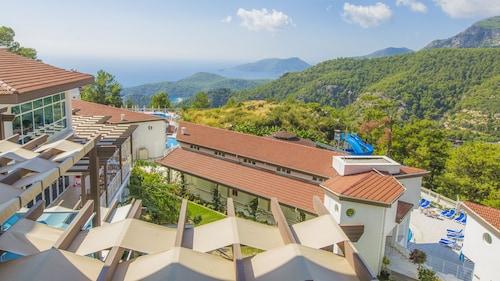 . Garcia Resort & Spa