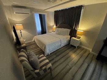 Economy Single Room, 1 Queen Bed