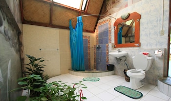 Kokosnuss Garden Resort Coron Bathroom
